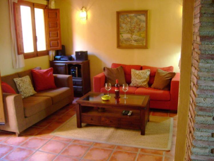 Geniet van de Spaanse zon,  de natuur en cultuur vanuit uw vakantiehuis in Andalusië. Zoekt u een vakantiehuis om te overwinteren? Informeer naar de m