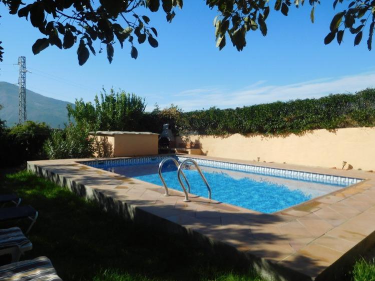Vakantiehuis met privé zwembad in het hart van de Alpujarras en uitzicht op Sierra de Lujar. Een particulier vakantiehuis in Spanje huurt u via Spain