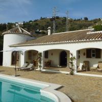 Luxe vakantiehuizen met privé zwembad huren aan de Costa del Sol - Malaga. Bekijk dan eens dit vakantiehuis met zwembad en zeezicht, te huur via Spain